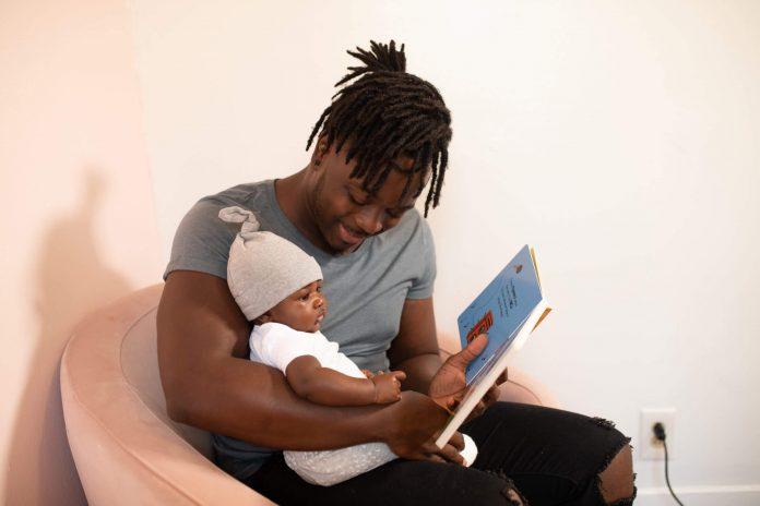 Ler para crianças - pai e filho