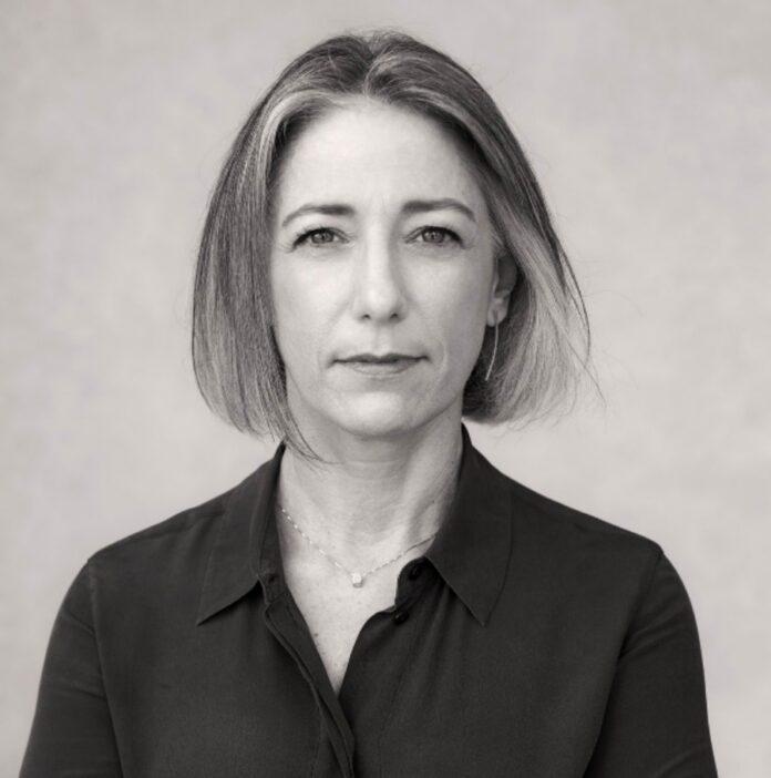 A psicanalista Vera Iaconelli (foto) fala da dificuldade de governos e sociedade investirem de forma adequada nas campanhas pela primeira infância.