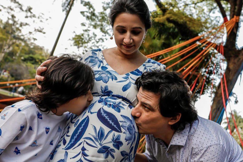Henrique e Alexandra, grávida, com o filho Miguel