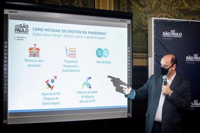 Pesquisa analisa impacto da aprendizagem durante pandemia em alunos da rede estadual de ensino de São Paulo; secretário estadual de educação, Rossieli Soares, durante apresentação do estudo