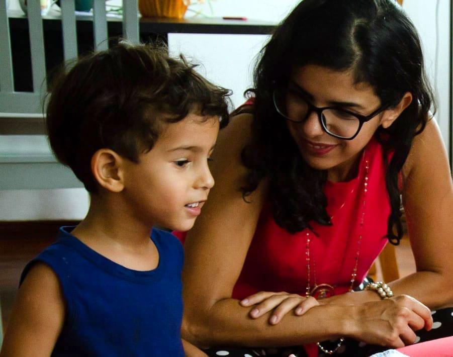 Gravidez na pandemia: o que já se sabe e o que os médicos aconselham; Elisa Coelho e o filho