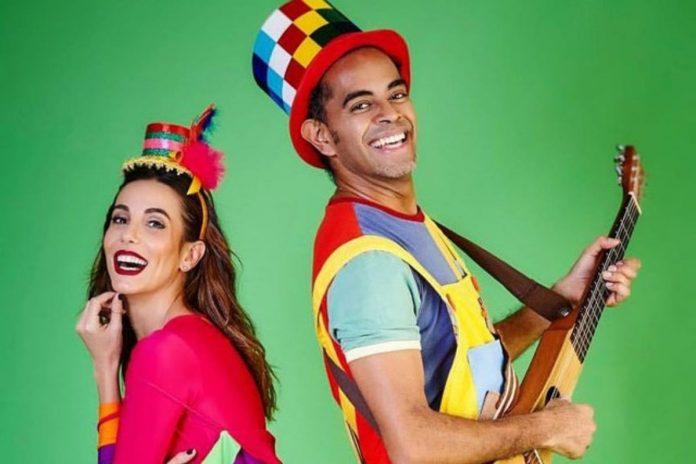 Apresentação musical retrata infância e convivência; Jair Oliveira e Tania Khalill do grupo Grandes Pequeninos