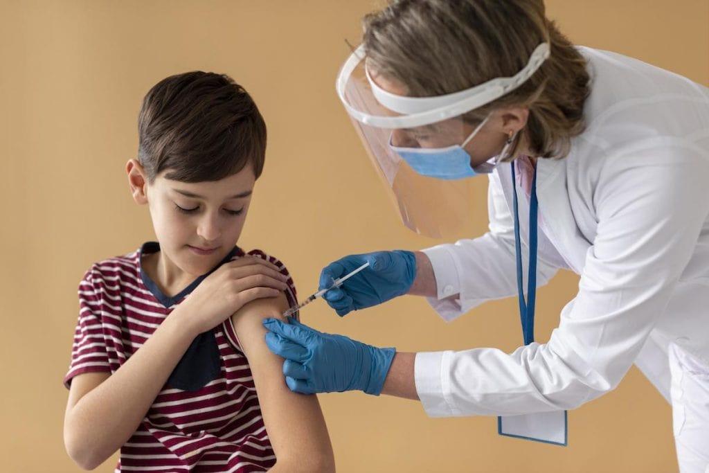 Companha nacional de multivacinação tem como alvo jovens até 15 anos