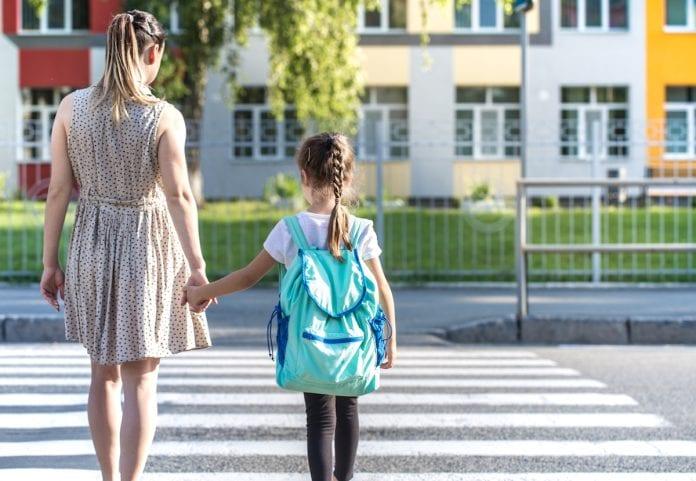 Percursos a pé para a escola mudam olhar das crianças sobre a cidade
