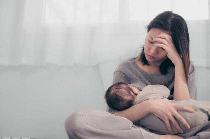 Como a 'insônia das mães' afeta também a vida dos filhos